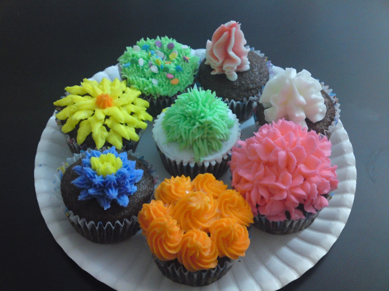 Cake Images With Name Prachi : Cup Cakes Prachi Chourey